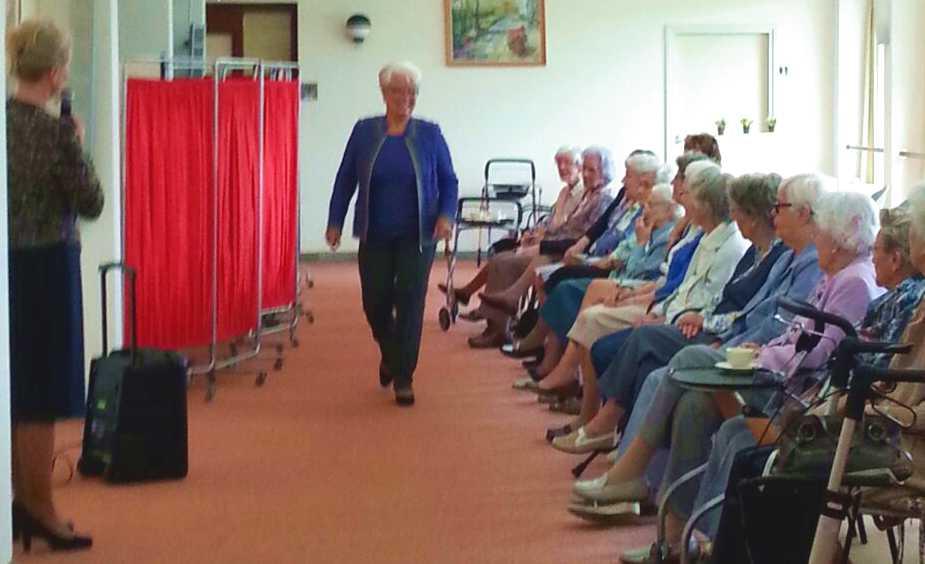 Modeshow voor bewoners